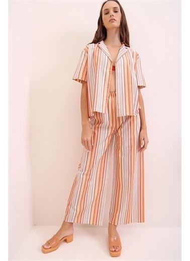 Pink Park Yakalı Desenli Şortlu Dokuma Pijama Takım URT0022 Renkli
